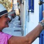 Passive Prospecting – Putting Brochures Out Door To Door & Bus